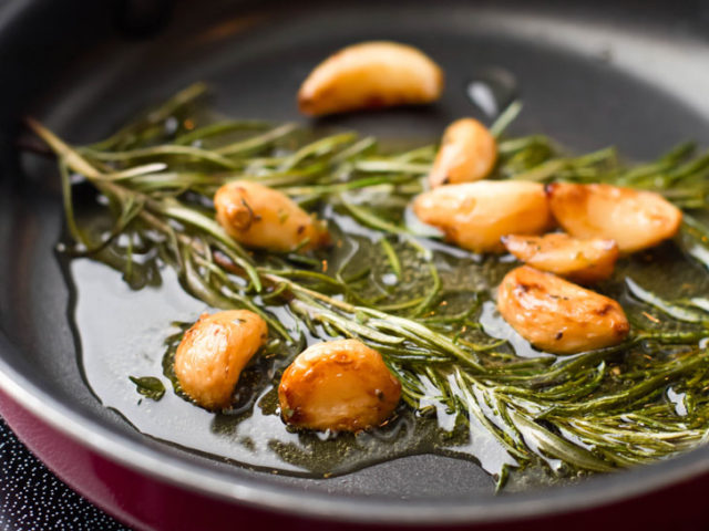 Sauteed-Garlic-and-Rosemary-in-Olive-OIl-000016974500_970y546