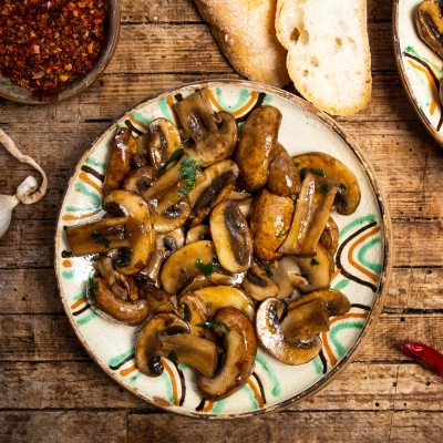 recipe_ancho braised mushrooms and chiles_400x400xpx_istock-1170138910