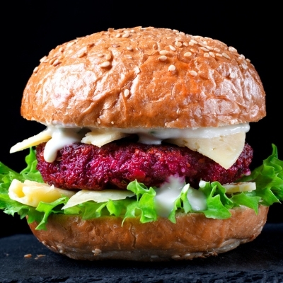 earth day_recipes_smart techniques_burger_400x400px_istock-1303006446